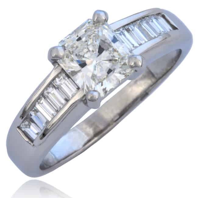 Radiant cut Diamond Ring 1-906 Image