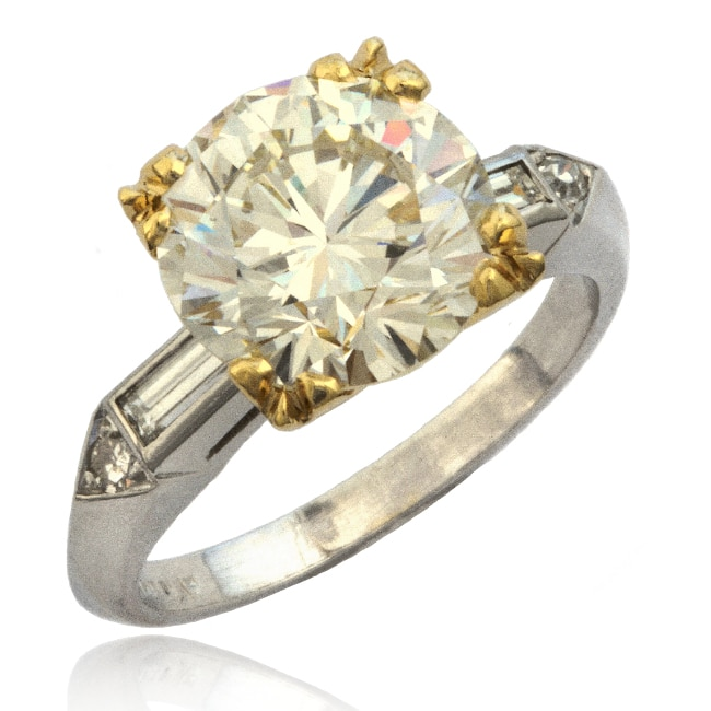 Traditional Diamond Ring 30-914 Image