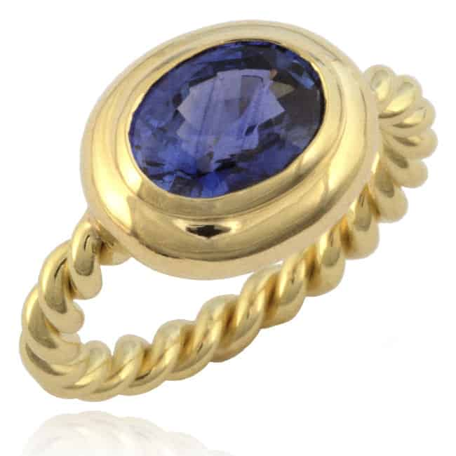 Oval Blue Sapphire Ring Image